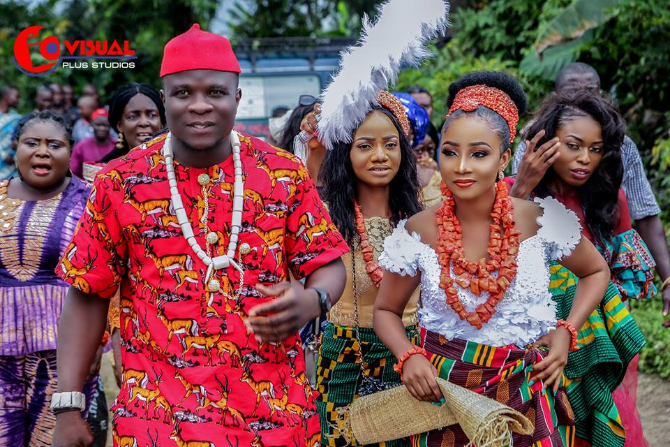 traditional wedding photos in port harcourt rivers state nigeria igbo yoruba hausa efik ibibio annang ijaw itsekiri benin imo abia akwa ibom edo bayelsa enugu ebonyi wedding attires dress trad wedding african wedding